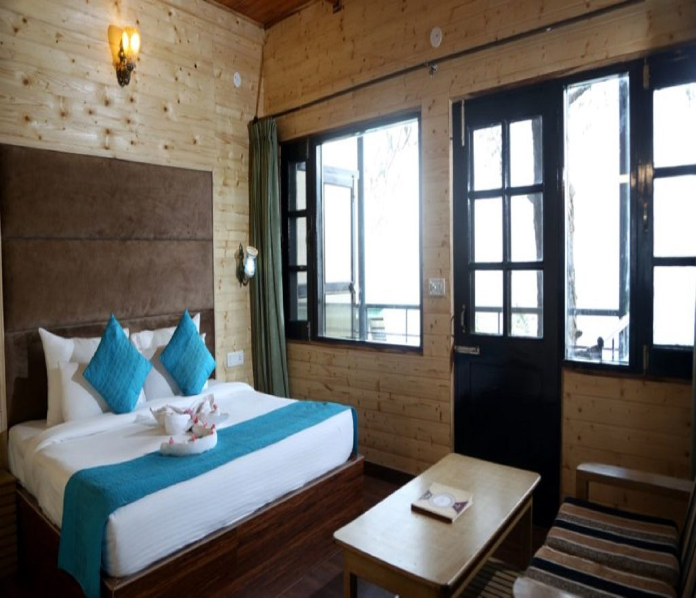 Deluxe room with valley View1